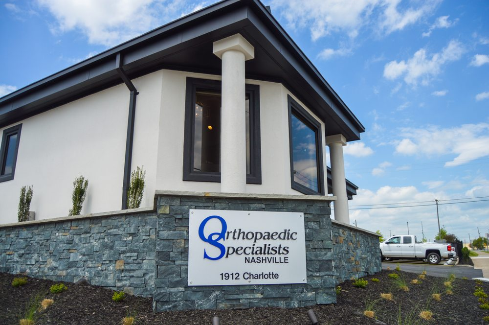 Orthopaedic Specialists: 425 Henslee Dr, Dickson, TN