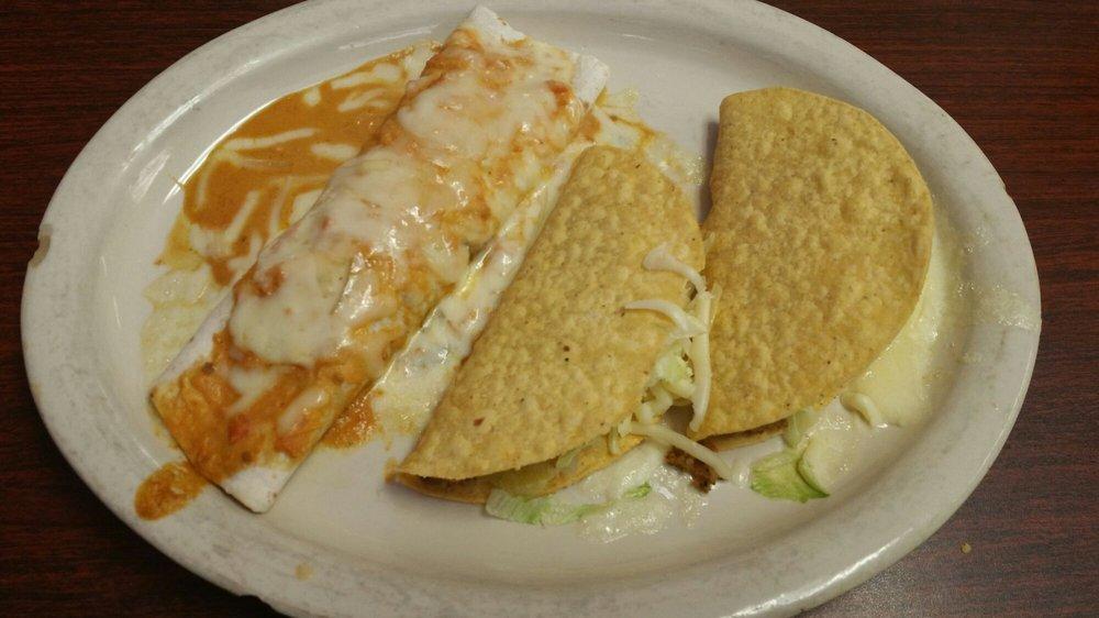 El Jalapenos Mexican Grill: 2418 N Webb Rd, Grand Island, NE
