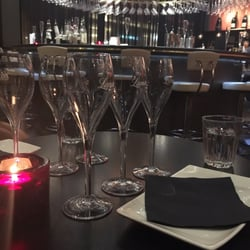 Searcys champagne bar champanherias one new change - Cyberdog london reino unido ...
