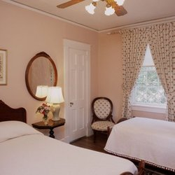 cedars of williamsburg bed and breakfast - 42 photos & 28 reviews