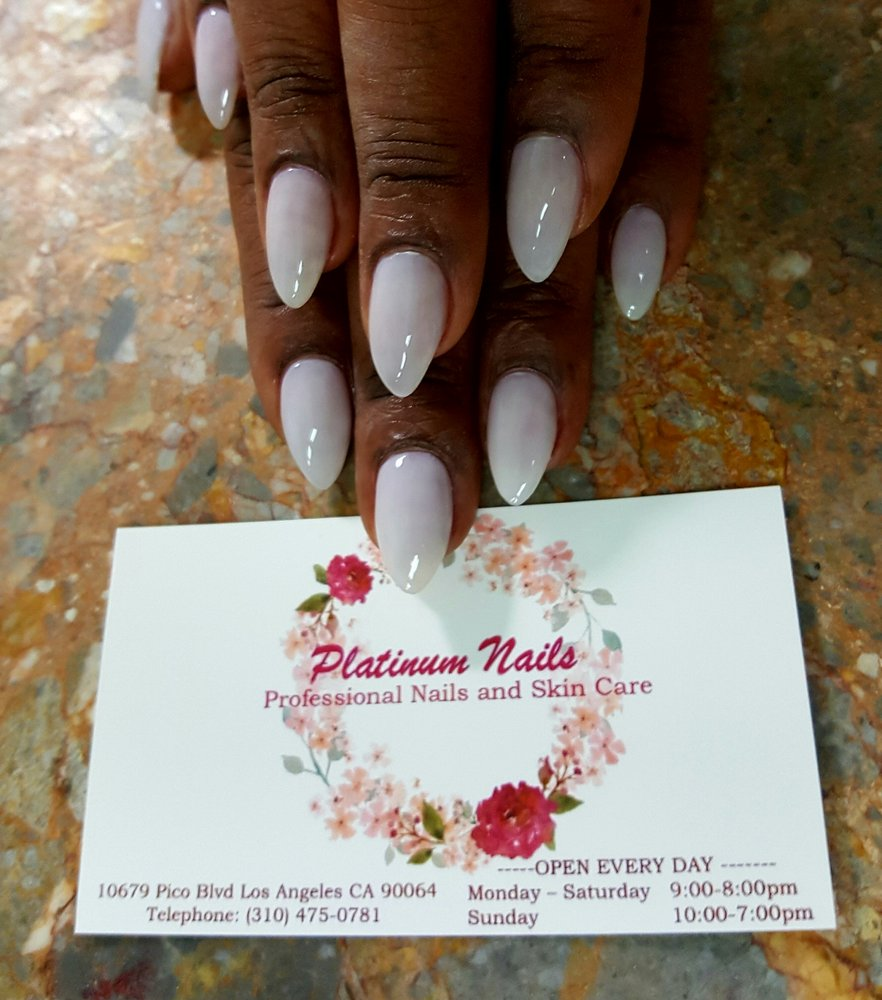 Mobile Nail Salon Los Angeles: Picture Perfect Almond Shaped Nails By Rose At Platinum
