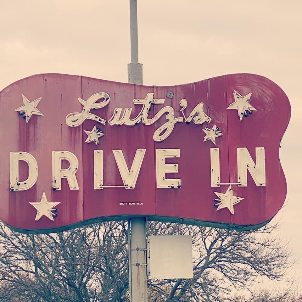 Lutz's Drive In: 28102 M 152, Dowagiac, MI