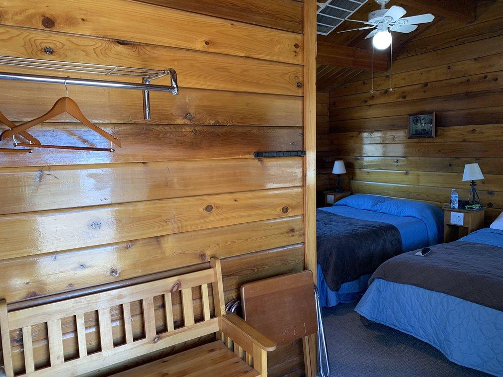 Big Meadow Lodge: 74878 Highway 395, Bridgeport, CA