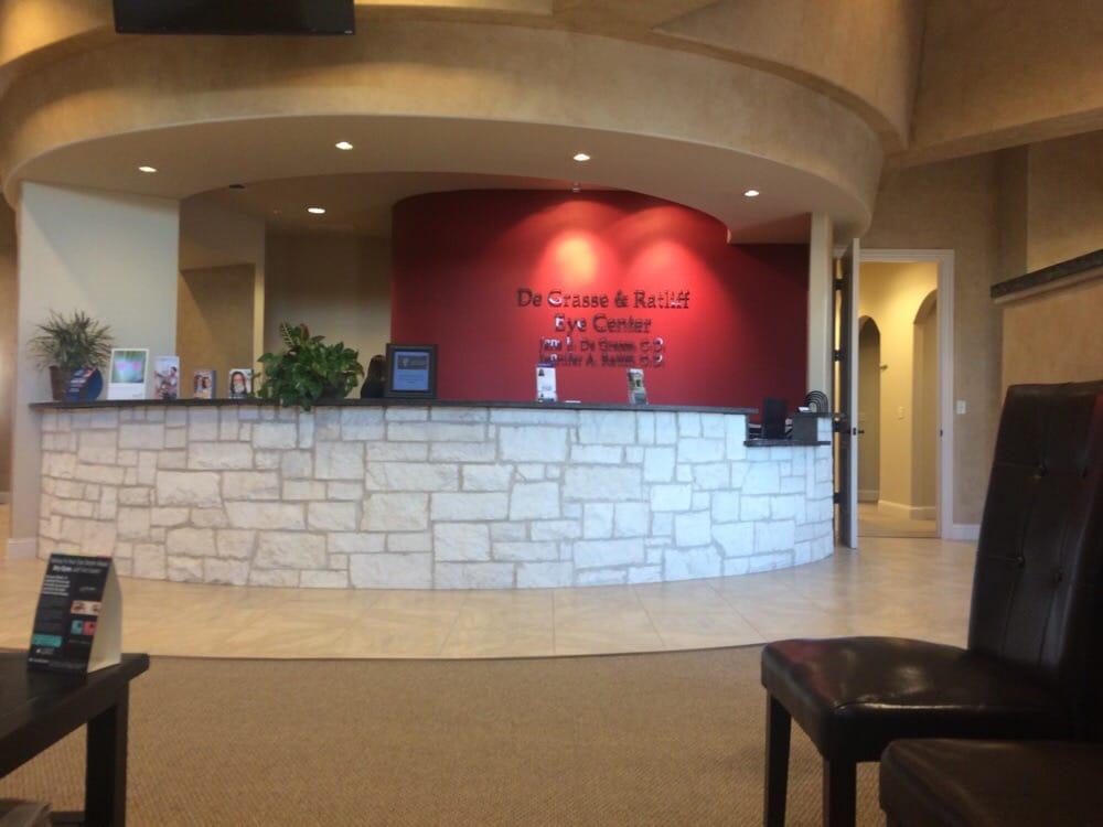 De Grasse & Ratliff Eye Center: 300 Mercedes St, Benbrook, TX