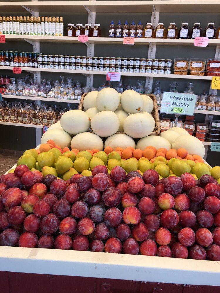 J & J Farm Fresh Produce & Bakery: 2507 Geer Rd, Hughson, CA
