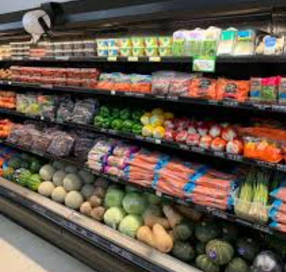Prentice Market & Deli: 520 Center St, Prentice, WI