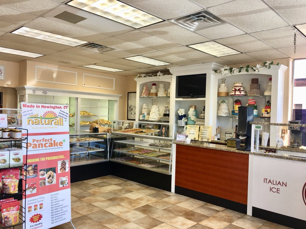 Giovanni's Bakery & Pastry Shop: 456 New Britain Ave, Newington, CT
