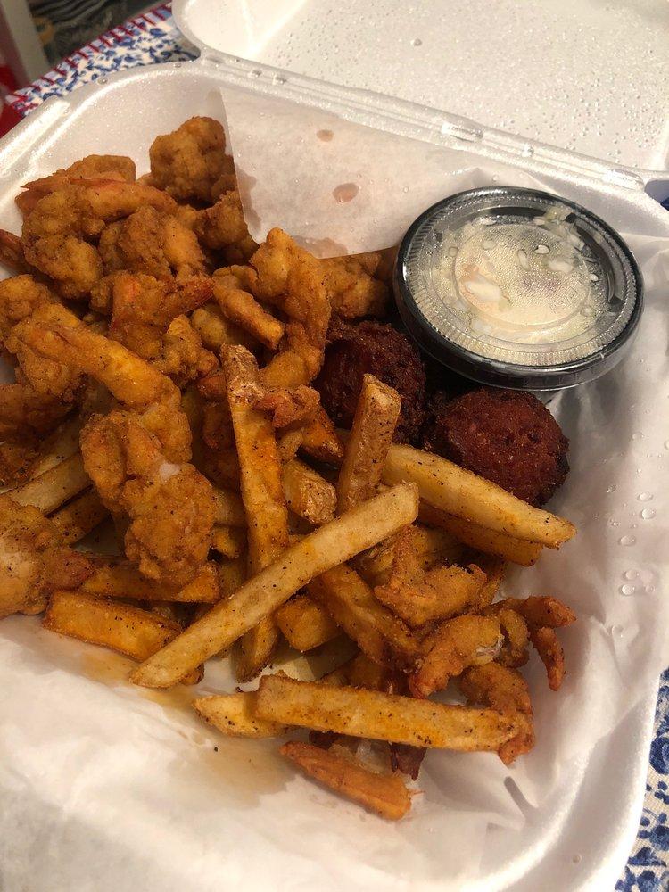 Rockin Bear Cafe: 3725 US Hwy 84, Blackshear, GA