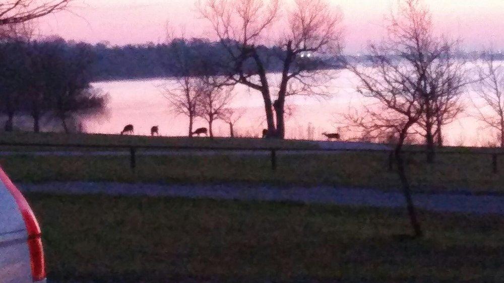 Holiday Park, Benbrook Lake