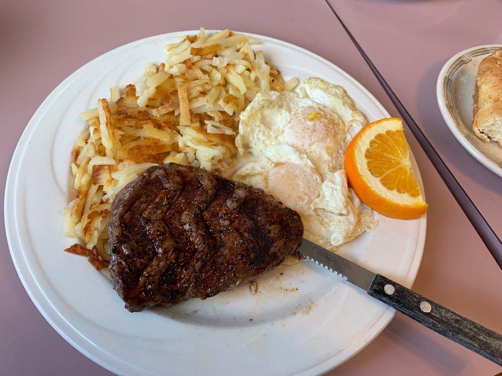 Gramma's Family Restaurant: 224 N Main St, Cascade, ID