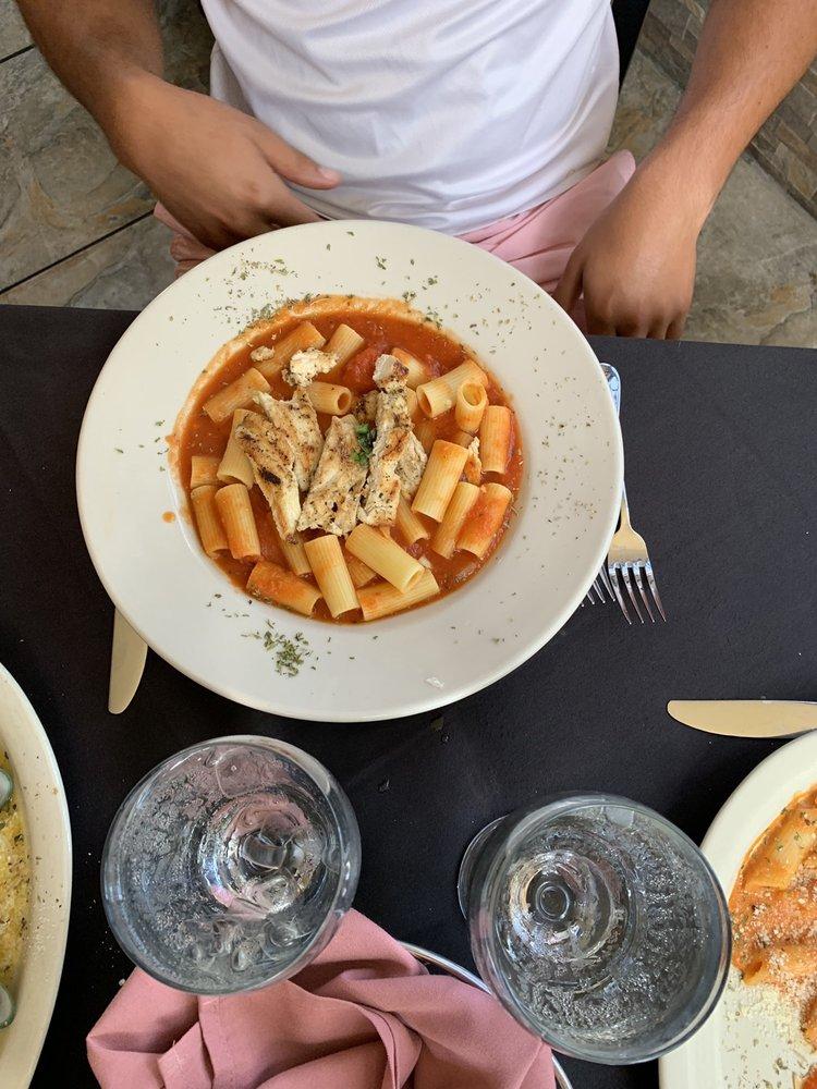 Vino E Pasta: 3603 W Gandy Blvd, Tampa, FL