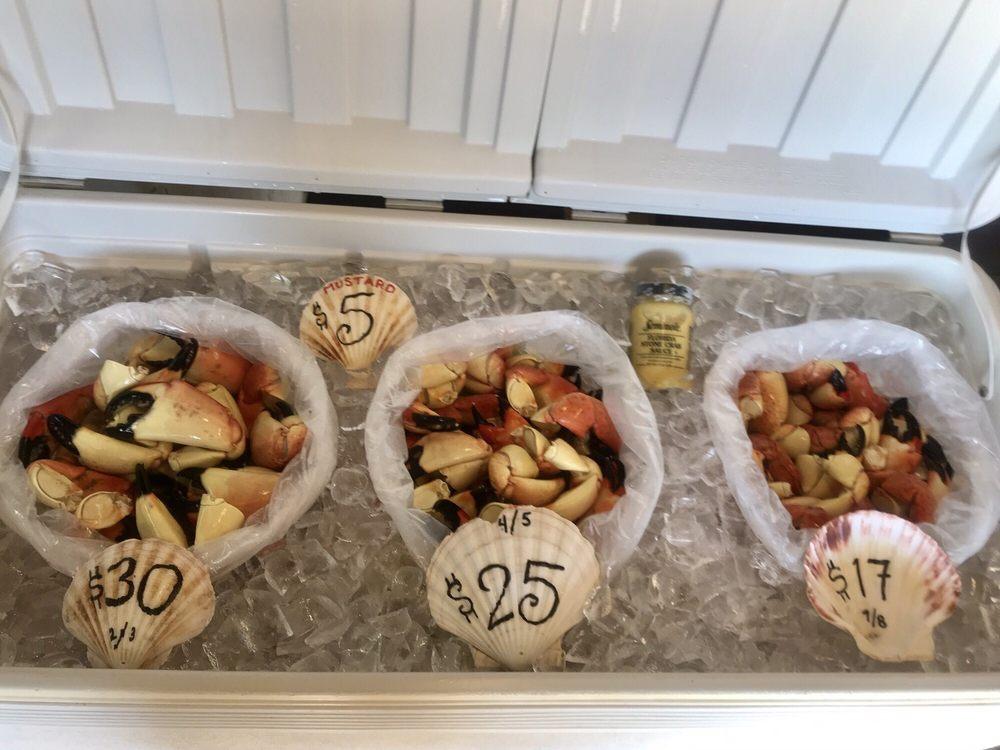 Aripeka Stone Crab Company: 3120 Fiddler Ln, Spring Hill, FL
