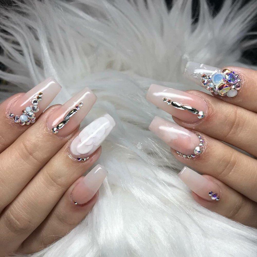 Venus H&L Beauty Salon & Nails: 597 Academy St, New York, NY