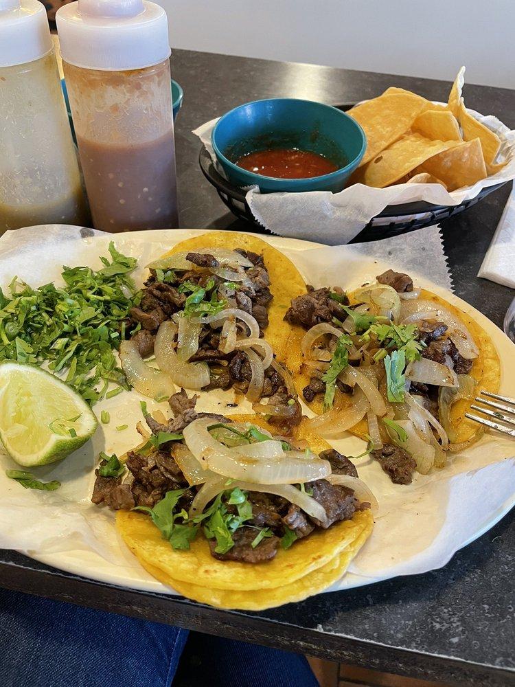 Cancun Mexican Restaurant: 1411 Jiffy Blvd, Jourdanton, TX