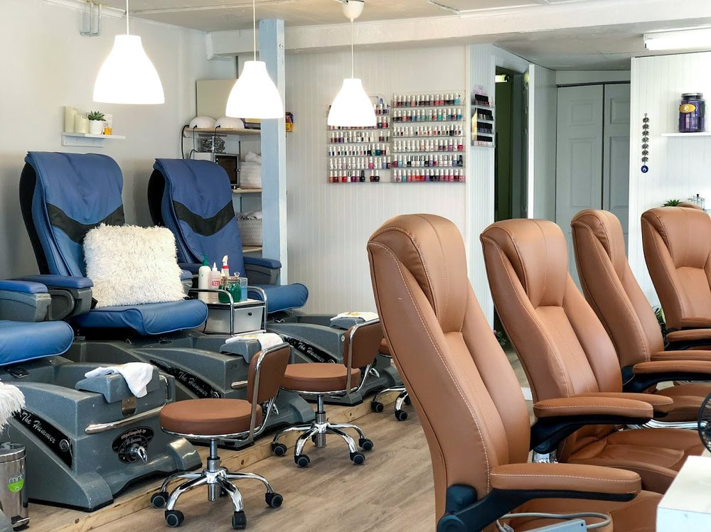 Golden Touch Nails: 78 N Main St, East Hampton, NY