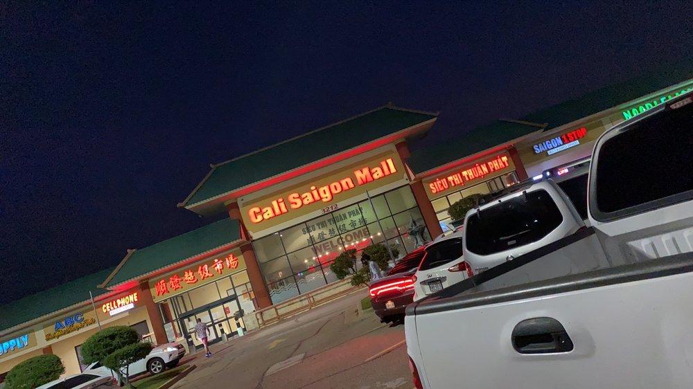 Cali Saigon Mall