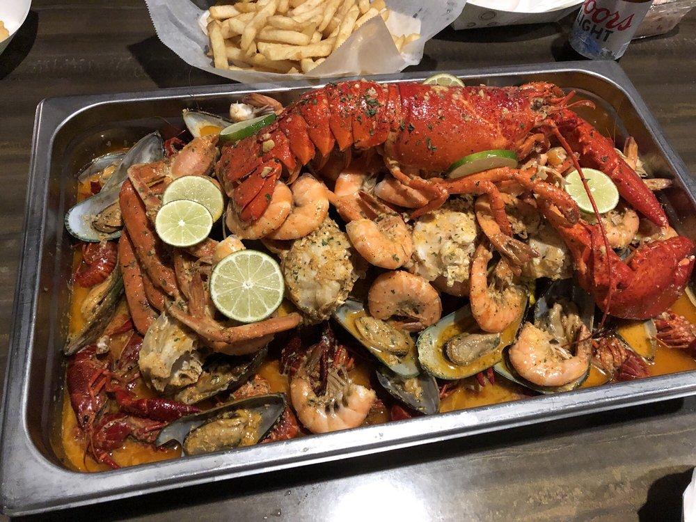 Crab99 Bar & Restaurant: 14 E Washington St, Indianapolis, IN
