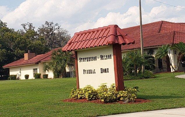 Stephenson-Nelson Funeral Home & Crematory: 111 E Circle St, Avon Park, FL