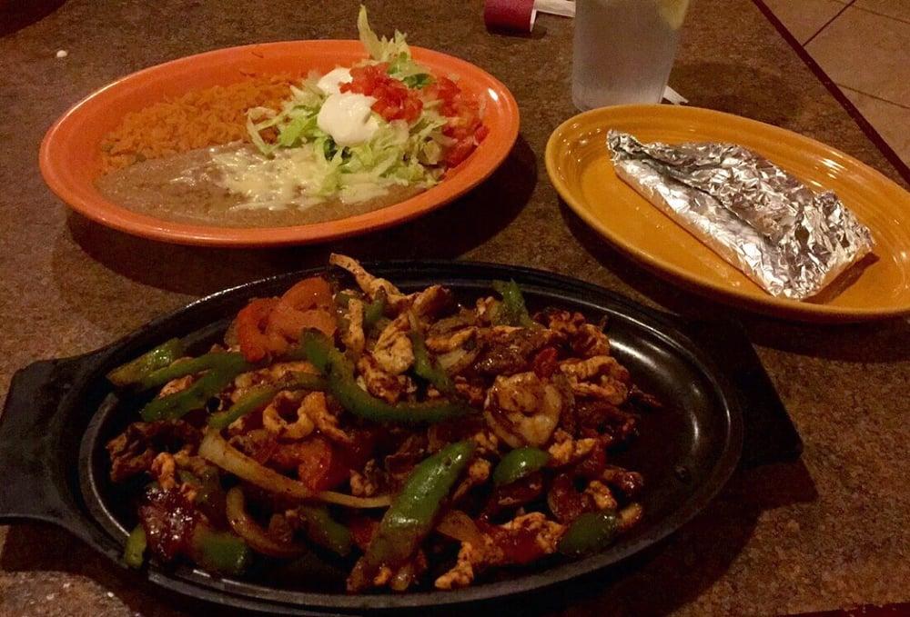 La Parrilla Mexican Grill 2: 3575 Bridge Rd, Suffolk, VA