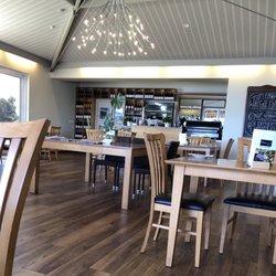 Waters Edge Cafe & Restaurant - Restaurants - 42 Cobblestone