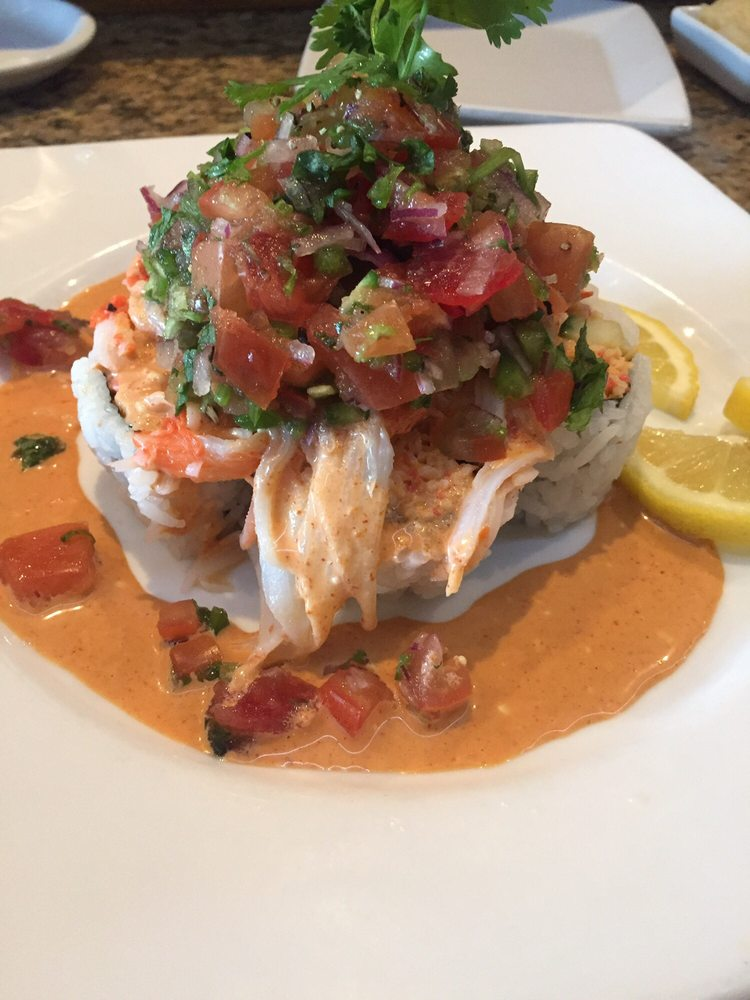 Baja roll spicy crab with spicy pico de gallo salsa on - Kabuki japanese cuisine ...