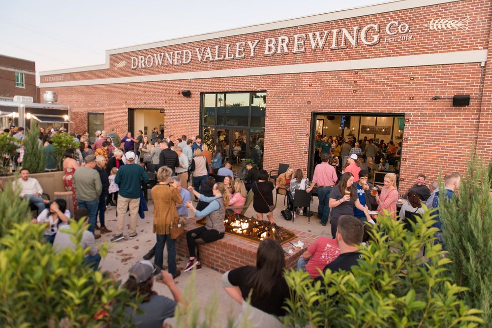 Drowned Valley Brewing Company: 4 S Tennessee St, Cartersville, GA