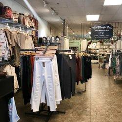 Karma Handicrafts Women S Clothing 422 S Main St Grapevine Tx