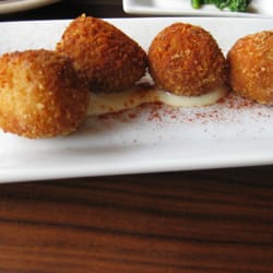 Food and shopping in reston town center susan h ha for Passion fish reston menu