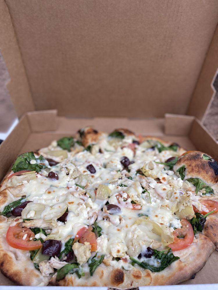 Comfort Pizza: 802 High St, Comfort, TX