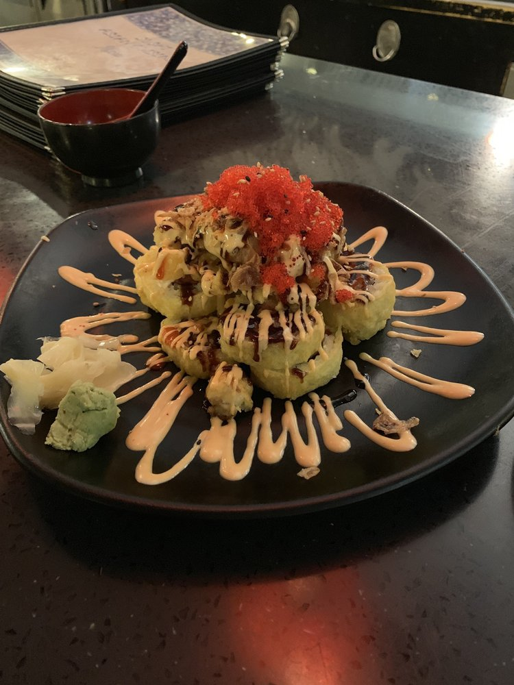Sushi Asian Cuisine: 406 Redwood Hwy, Cave Junction, OR