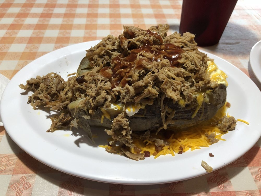 Bucky Bee's BBQ: 403 Mammoth Cave St, Cave City, KY