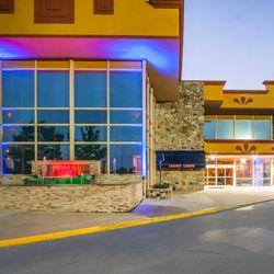Clarion Inn & Suites University Center - 1577 S College St