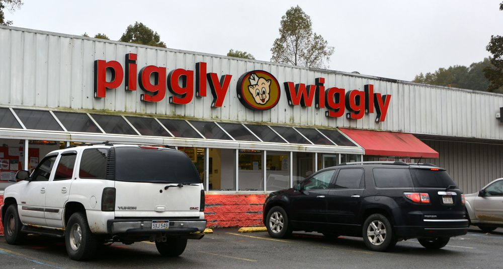 Piggly Wiggly: 24322 Midland Trl, Victor, WV