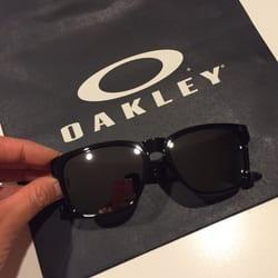 Oakley Vault Review