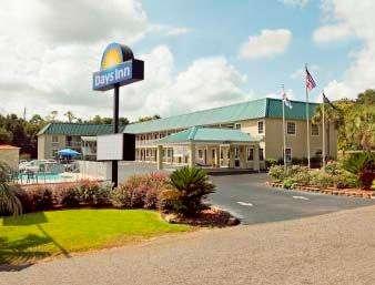 Days Inn by Wyndham Barnwell: 10747 Dunbarton Blvd, Barnwell, SC