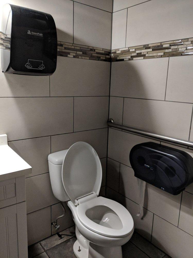 Wiseguy Lounge: 603 Main St, Covington, KY