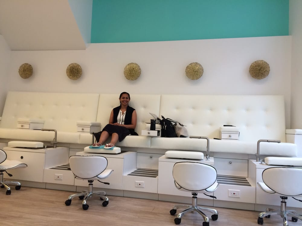 Paramount pampering salon and spa 62 photos 43 reviews for W salon and spa