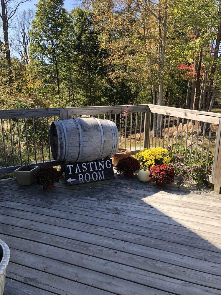 Chestnut Ridge Winery: 15 Chestnut Ridge, Spencer, WV
