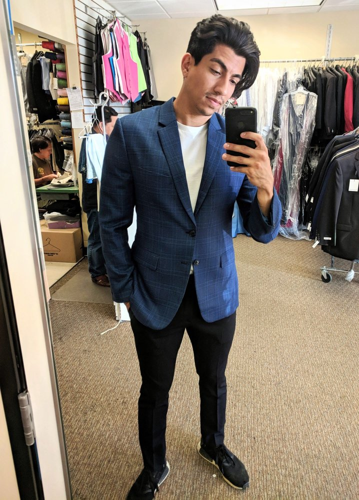 Bellaz Custom Tailoring & Tuxedo Rental