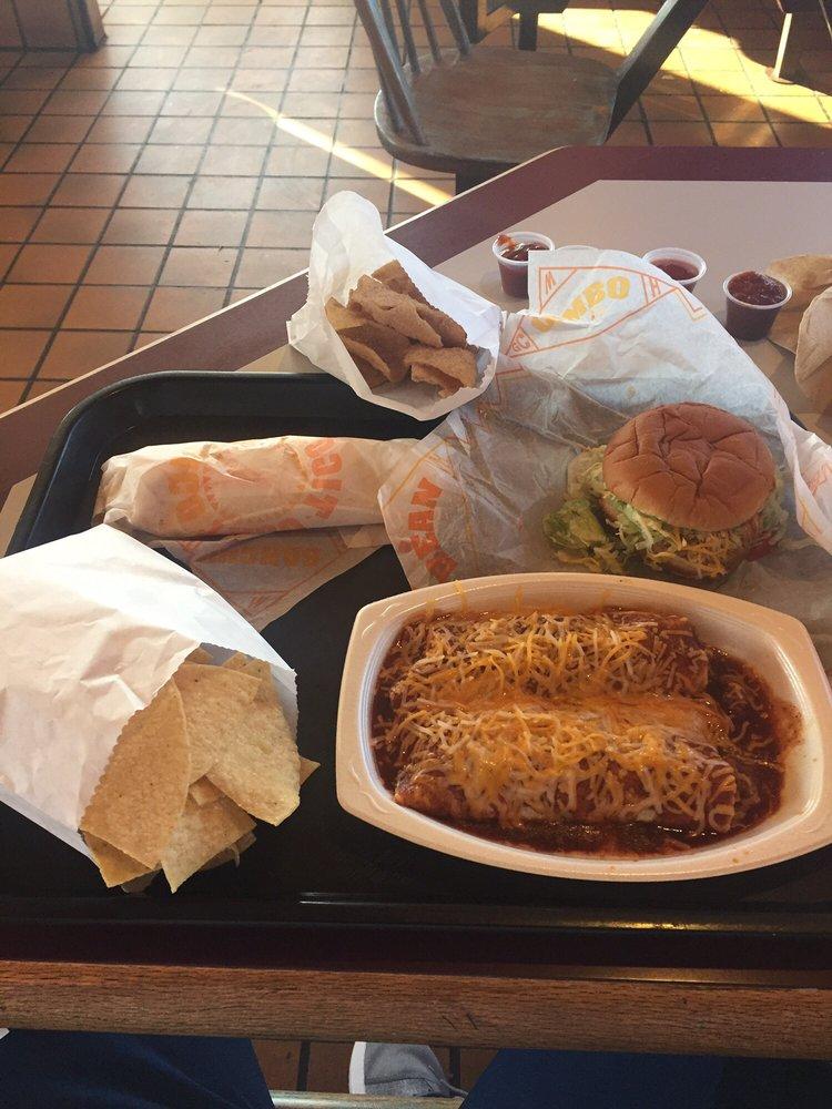 Taco Tico: 205 W 7th St, Augusta, KS