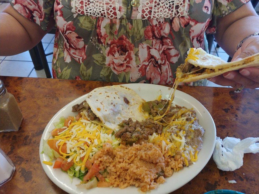 Taqueria Perlitas: 701 N Columbia St, Plainview, TX