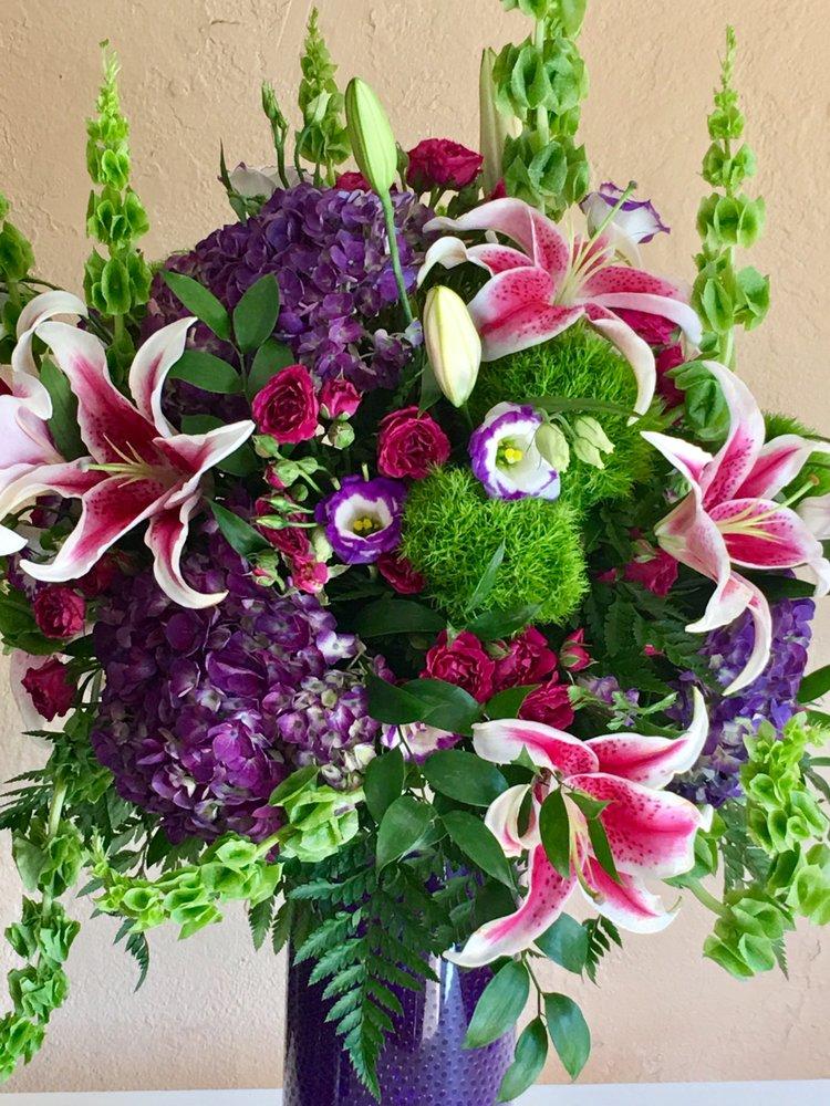 Cloud Florist: 8203 Cedar Ave, Cleveland, OH