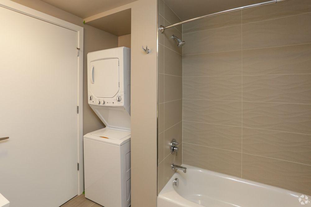 O2 Apartments: 2401 3rd Ave, Seattle, WA