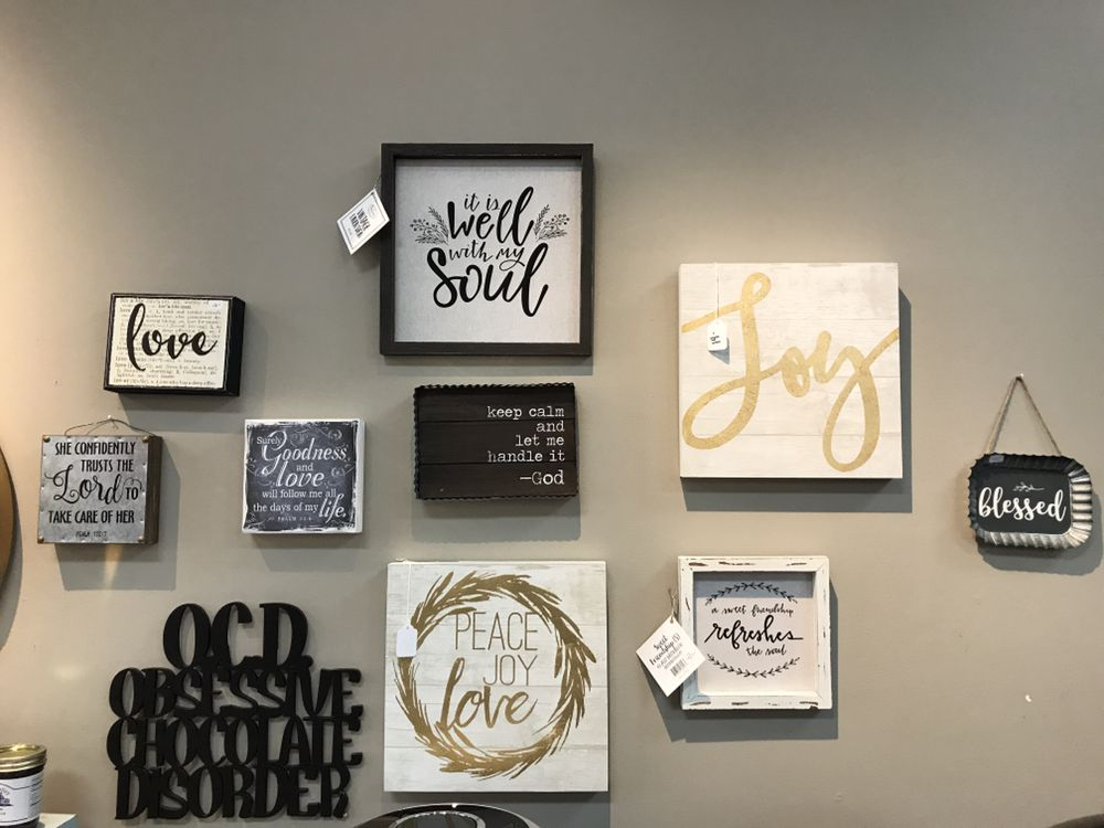Lavish Grace Boutique: 105 E Main St, Mason, OH