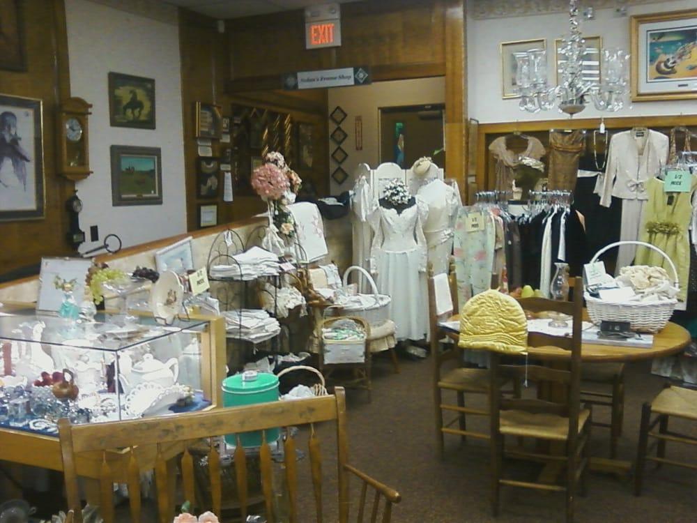 Burlington Inn Antiques: 304 Spielman Hwy, Burlington, CT