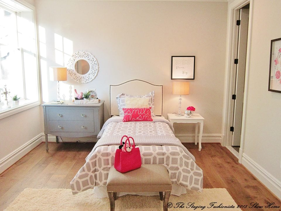 Show home design yelp for Fashionista bedroom ideas