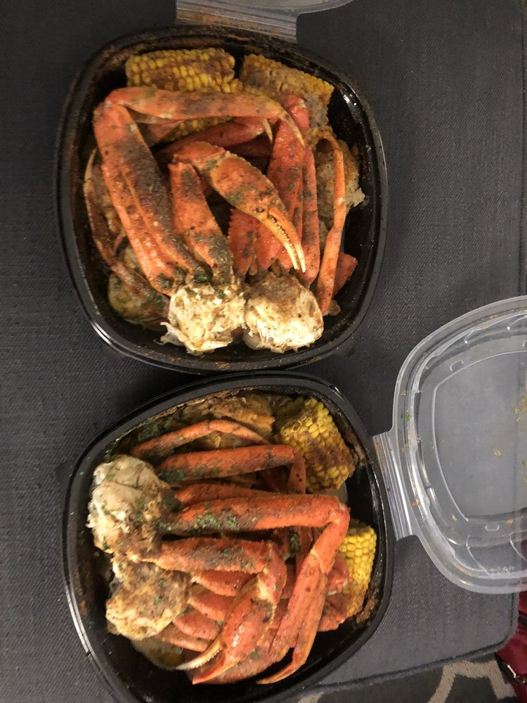 Food from Straight Drop Seafood Memphis