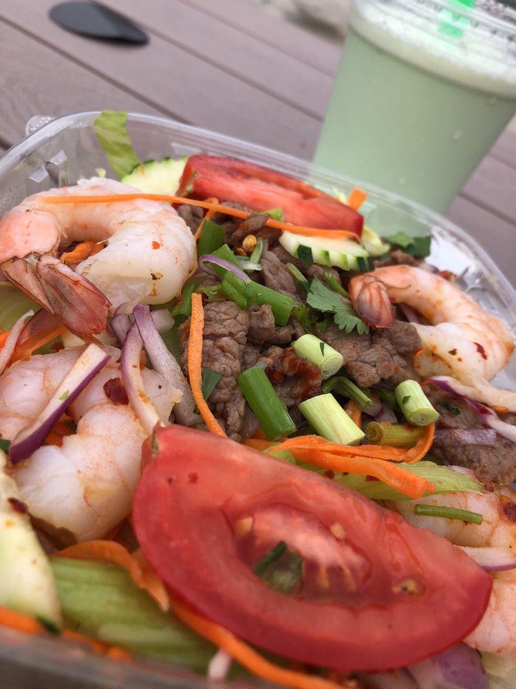Mai Tong Thai Food: 400-498 13th St, Astoria, OR