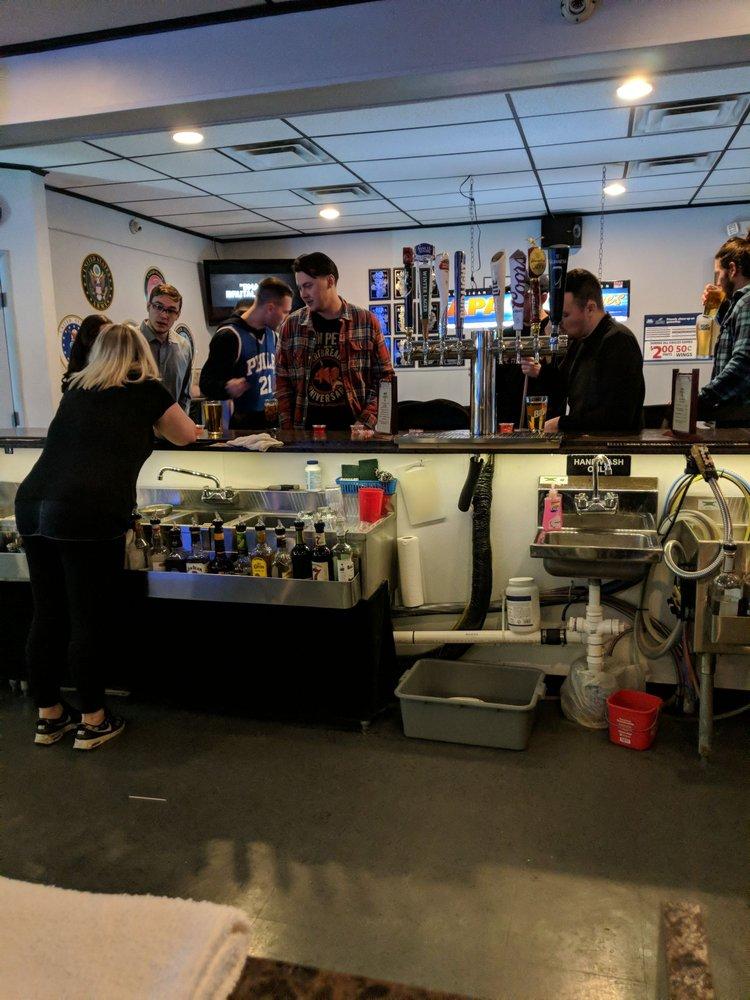 Taps Sports Bar: 4021-4023 Veterans Hwy, Levittown, PA