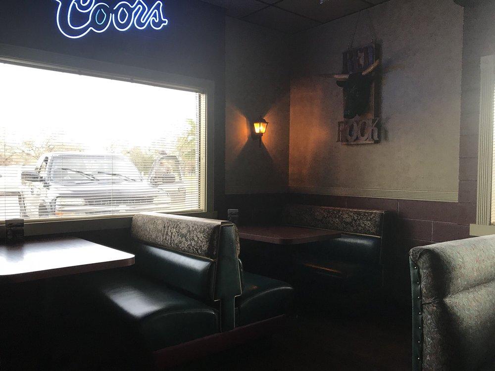 Red Rock Bar & Grill: 9472 Cedro Ln, Palo Cedro, CA